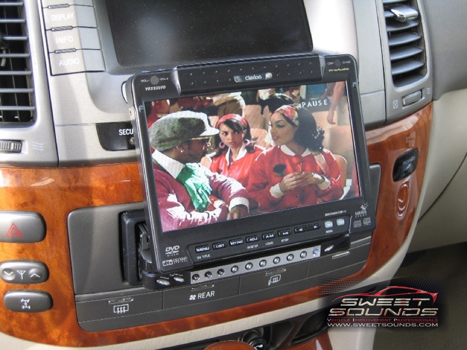 https://www.sweetsounds.com/wp-content/uploads/2015/12/Lexus-LX470-2003-Custom-Fab-3.jpg